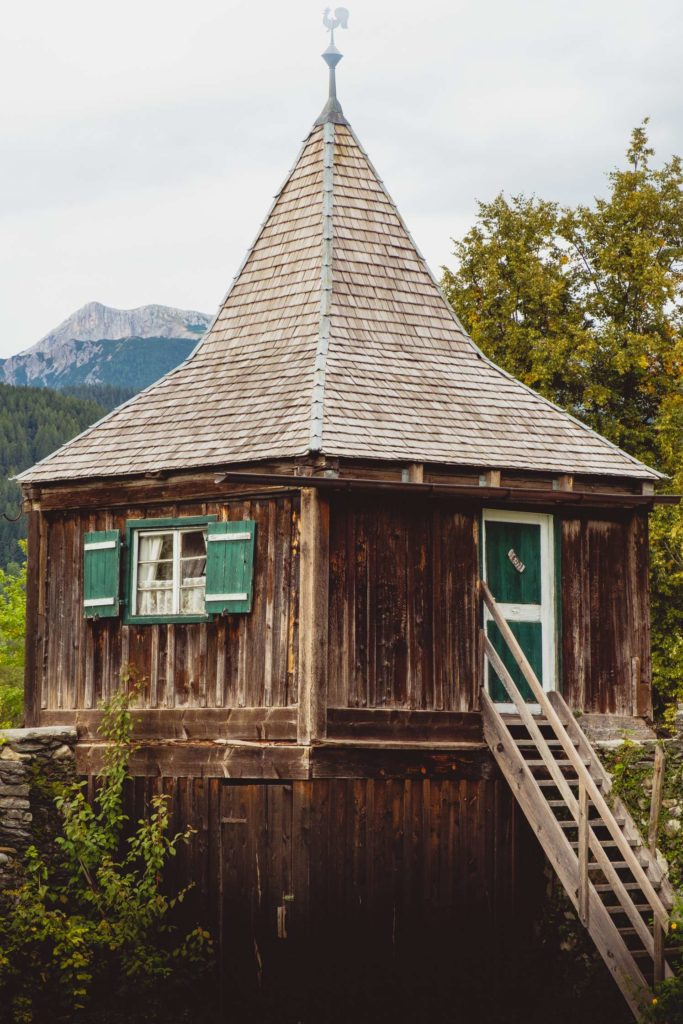 A little wooden hut in the center of Schladming with a pointy roof