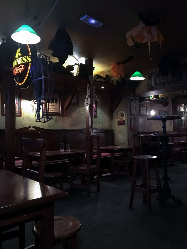 Weird Irish pub in Nîmes