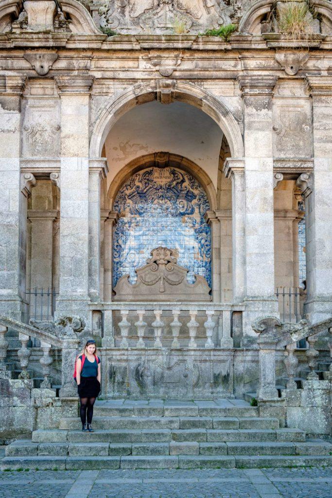 Caroline next to Sé do Porto