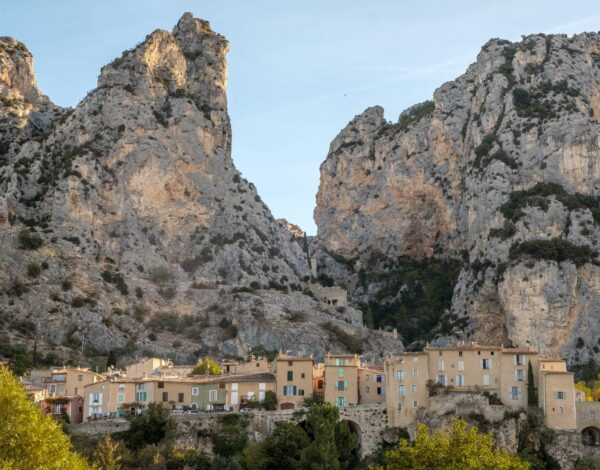 Wild and without the French Riviera: Hitching to Verdon and Moustiers-Sainte-Marie