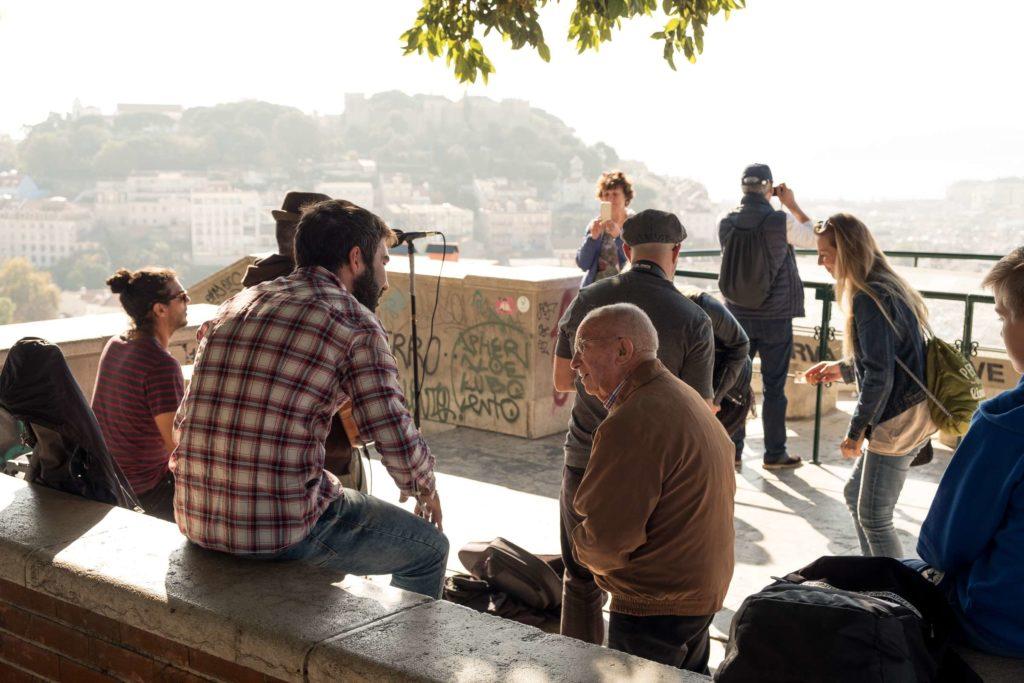 Band playing at Miradouro da Graca viewpoint