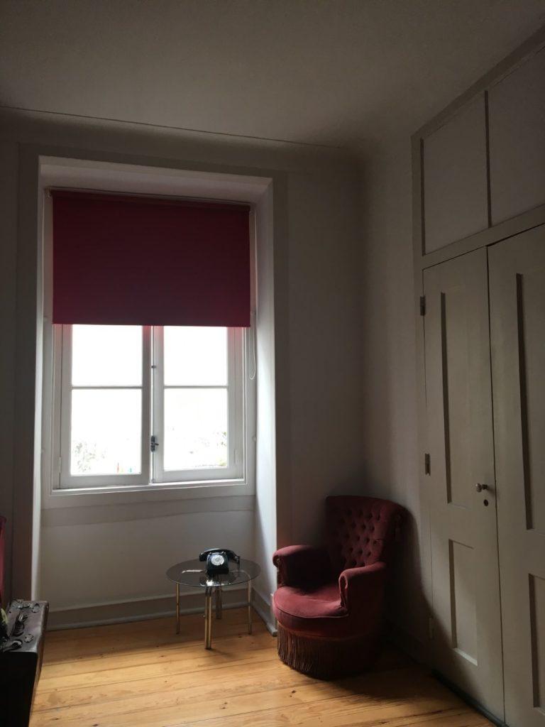 Lisbon Calling Hostel private room window